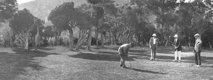 Players on the green of the original par 3 fifth, 1919. (RWGC)